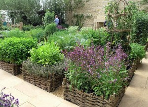 charming_vegetable_garden_ideas_wattle_raised_beds_square