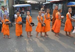 child-monks-1306506_960_720