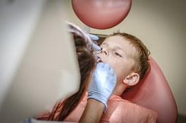dentist-428654__180