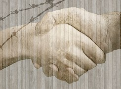 handshake-584105__180