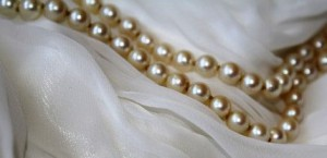 pearl-necklace-443981__340